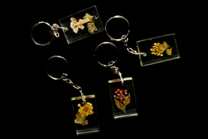 Picture of Resin Preserved Flower Keychain